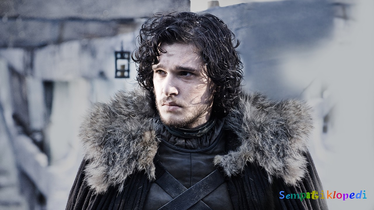 Jon Snow Diriliyor